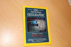 National Geographic 12/1986