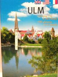 Ulm-Charming city at the Danube  Ulm-Ville plaisante sur le Danube